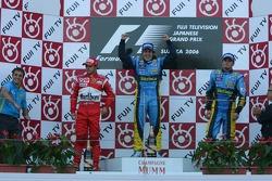 Подіум: переможець гонки Фернандо Алонсо, Феліпе Масса та Джанкарло Фізікелла