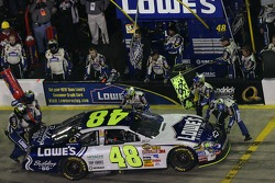 Pitstop for Jimmie Johnson