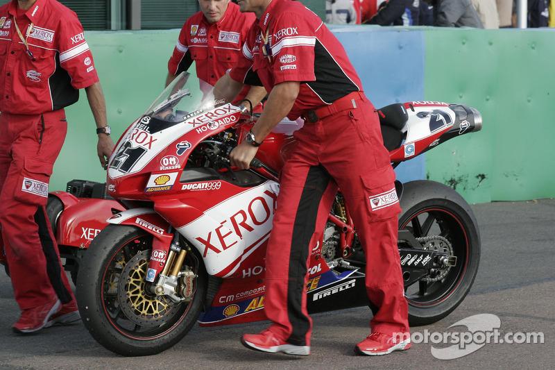La moto du champion du monde Troy Bayliss