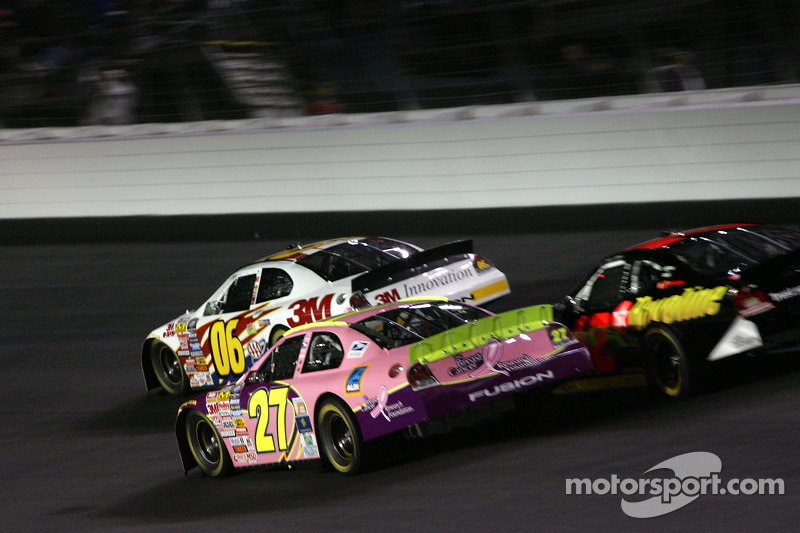 Todd Kluever, Casey Atwood et Casey Mears