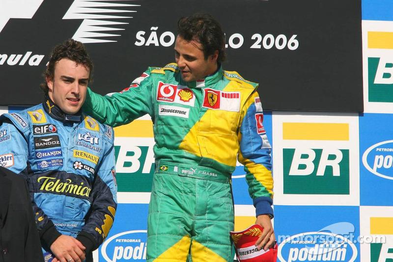 Подіум: Переможець гонки Феліпе Масса та чемпіон Ф1 2006 року Фернандо Алонсо
