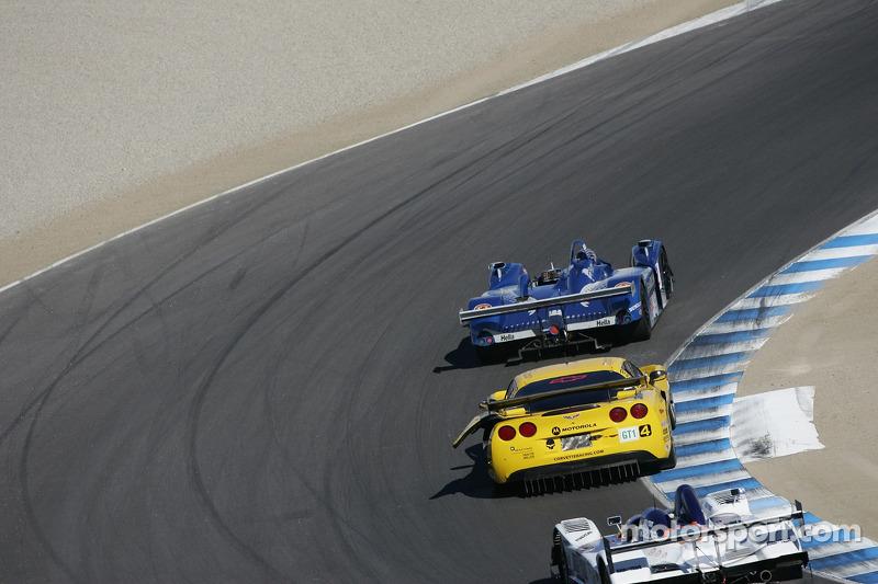 La Corvette C6-R n°4 endommagée du Corvette Racing : Oliver Gavin, Olivier Beretta
