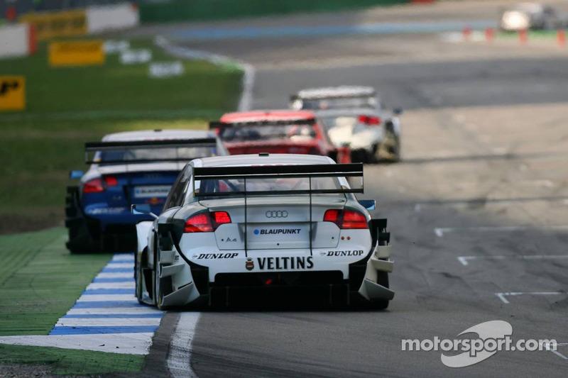Heinz-Harald Frentzen emmène un groupe de voitures