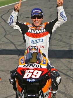 2006 MotoGP World Champions photoshoot: MotoGP champion Nicky Hayden
