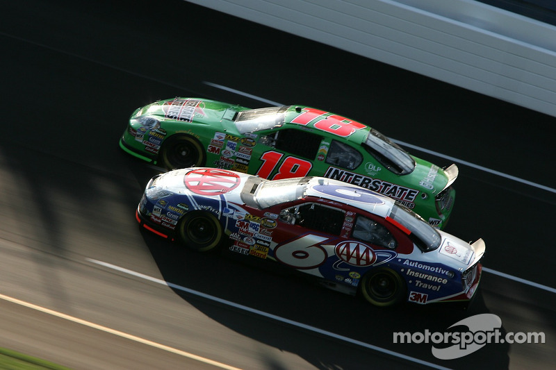 Mark Martin et J.J. Yeley