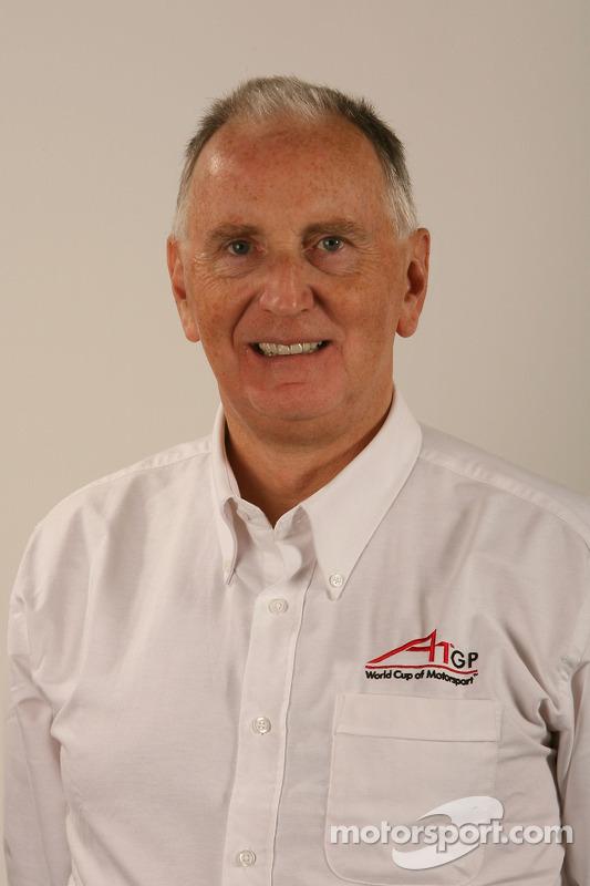 John Watspn, présentateur TV