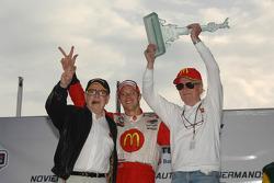 Podium: race winner Sébastien Bourdais with Carl Haas and Paul Newman