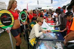 Autograph session: Karl Reindler
