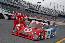 Photoshoot: Scott Dixon and Dan Wheldon pose with the #02 Target Chip Ganassi with Felix Sabates Lexus Riley