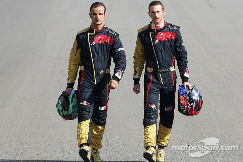 Red Bull Racing and Scuderia Toro Rosso photoshoot: Vitantonio Liuzzi and Scott Speed