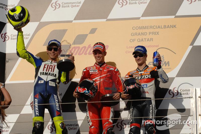 Podium: le vainqueur Casey Stoner avec Valentino Rossi et Dani Pedrosa
