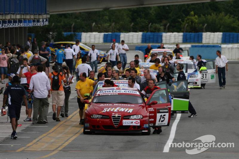 James Thompson, N Technology, Alfa Romeo 156 sur la pitlane