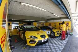 Team garage, SEAT Sport, SEAT Leon