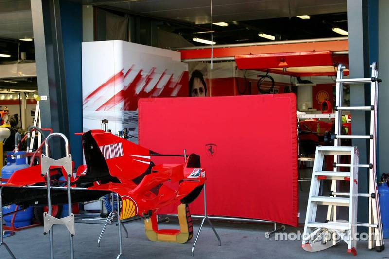 Felipe Massa, Scuderia Ferrari, Pit garage
