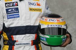 Giancarlo Fisichella, Renault F1 Team, helmet