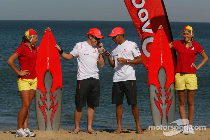 Fernando Alonso, McLaren Mercedes y Lewis Hamilton, McLaren Mercedes en el vento de Vodafone y McLaren Mercedes
