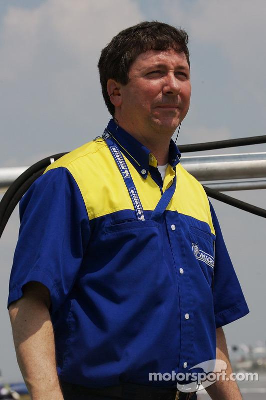 Un technicien de Michelin