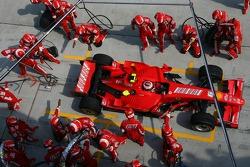Kimi Raikkonen, Scuderia Ferrari, F2007 pitstop