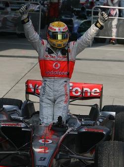 Lewis Hamilton celebrates second place finish