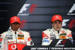 Press conference: race winner Fernando Alonso with Lewis Hamilton
