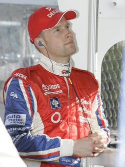 Stefan Mücke watches the end of the race
