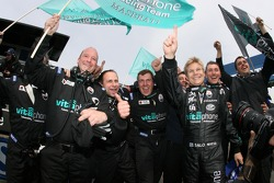 Mika Salo celebrates win with Vitaphone Racing team members