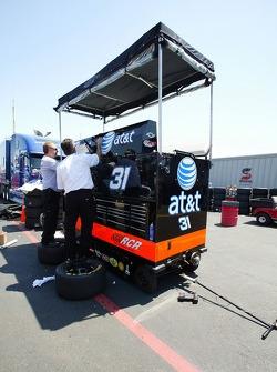 AT&T/Cingular Chevy crew members at work