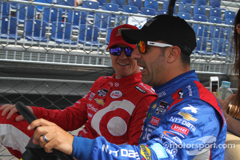 Scott Dixon, Chip Ganassi Racing Chevrolet and Tony Kanaan, Chip Ganassi Racing Chevrolet