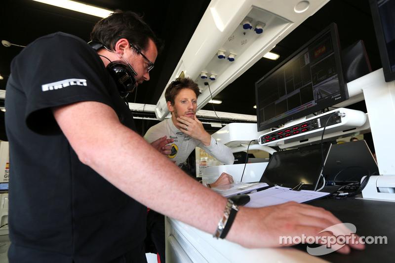 Romain Grosjean, Lotus F1 Team and race engineer Julien Simon-Chautemps
