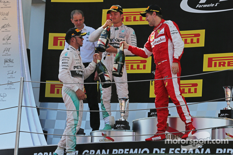 Podium: 2. Lewis Hamilton, Mercedes AMG F1; 1. Nico Rosberg, Mercedes AMG F1, und 3. Sebastian Vettel, Ferrari