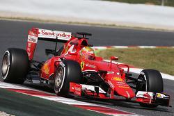 Esteban Gutiérrez, Ferrari SF15-T Piloto de pruebas y de reserva