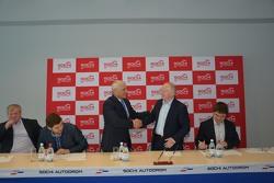 Церемония подписания соглашения между SMP Racing и Сочи Автодромом