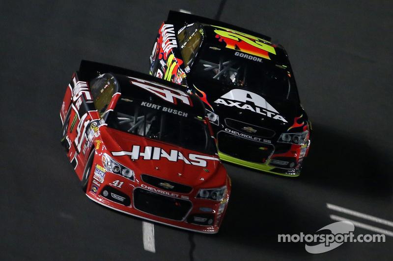 Kurt Busch, Stewart-Haas Racing, Chevrolet, und Jeff Gordon, Hendrick Motorsports, Chevrolet