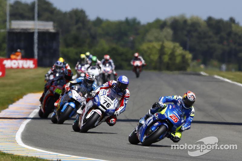 Maverick Viñales, Team Suzuki MotoGP, und Loris Baz, Forward Racing, Yamaha