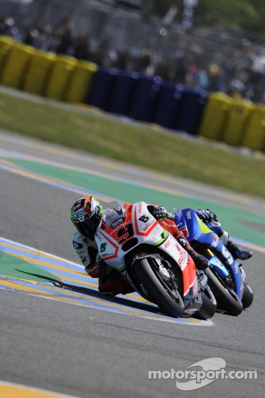 Danilo Petrucci, Pramac Racing, Ducati, und Maverick Viñales, Team Suzuki MotoGP