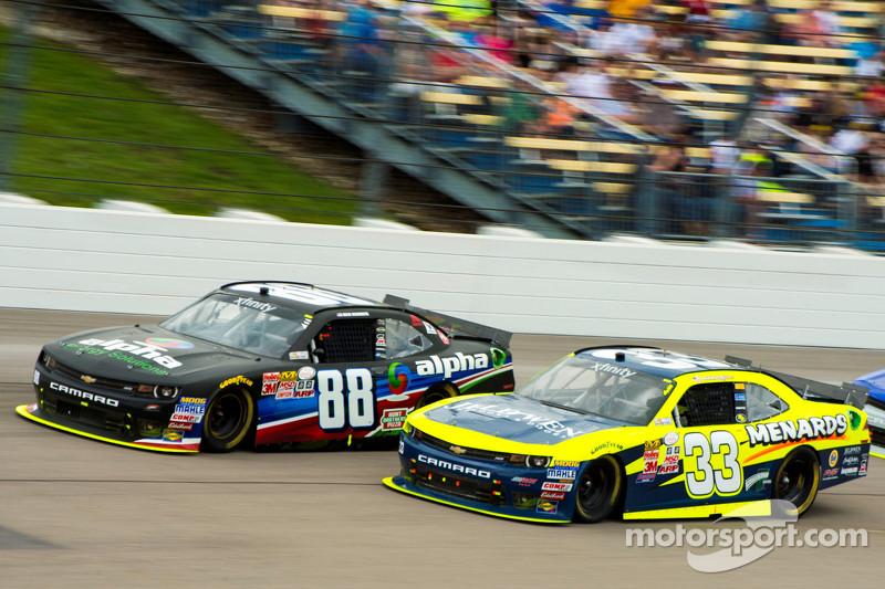 Ben Rhodes, JR Motorsports Chevrolet dan Brdanon Jones, Richard Childress Racing Chevrolet