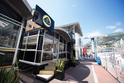Lotus F1 Team, Motorhome im Fahrerlager