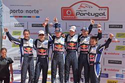 Podium : les vainqueurs Jari-Matti Latvala et Miikka Anttila, les deuxièmes Sébastien Ogier et Julien Ingrassia, les troisièmes Andreas Mikkelsen et Ola Floene, Volkswagen Polo WRC, Volkswagen Motorsport