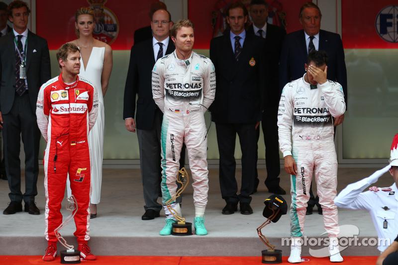 Podium: 2. Sebastian Vettel, Ferrari, Ferrari SF15-T; 1. Nico Rosberg, und 3. Lewis Hamilton, Mercedes AMG F1 W06