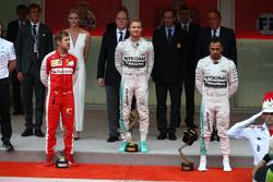 Podium: second place Sebastian Vettel, Ferrari Ferrari SF15-T and winner Nico Rosberg and third place Lewis Hamilton, Mercedes AMG F1 W06