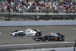 J.R. Hildebrand, CFH Racing Chevrolet and Alex Tagliani, A.J. Foyt Enterprises Honda