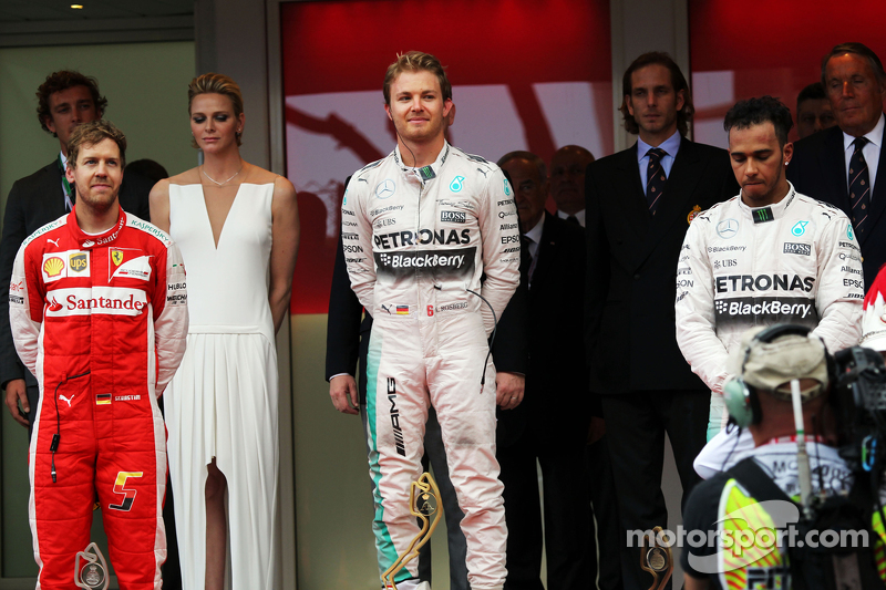 Podium: Sieger Nico Rosberg, 2. Sebastian Vettel, 3. Lewis Hamilton