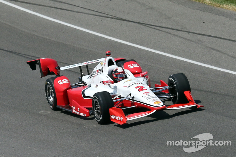 Des dégâts sur la voiture de Juan Pablo Montoya, Team Penske Chevrolet