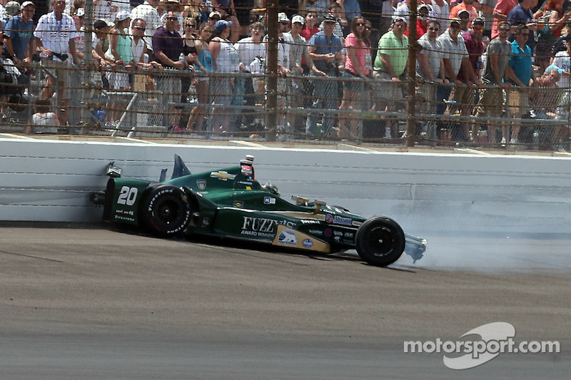Ed Carpenter, CFH Racing Chevrolet se crashe