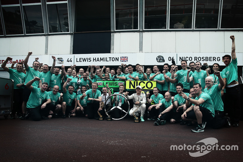 Nico Rosberg, Mercedes AMG F1 Team celebrates his win