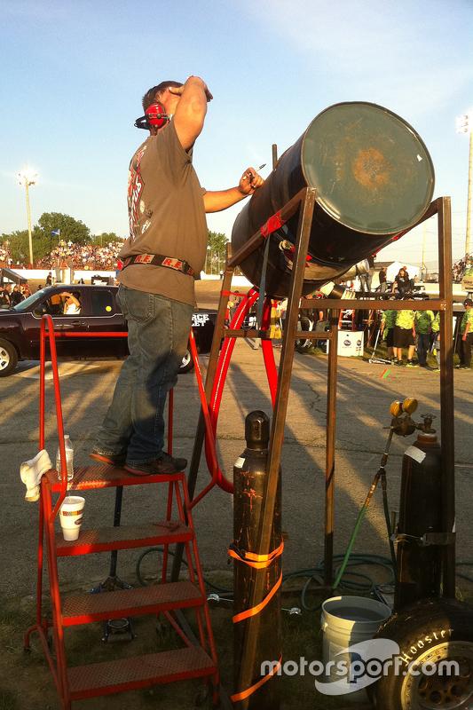 Improvised fuelling rig