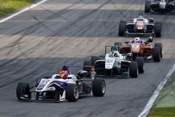 Martin Cao, Fortec Motorsports Dallara Mercedes-Benz, dan Nabil Jeffri, Motopark Dallara Volkswagen,