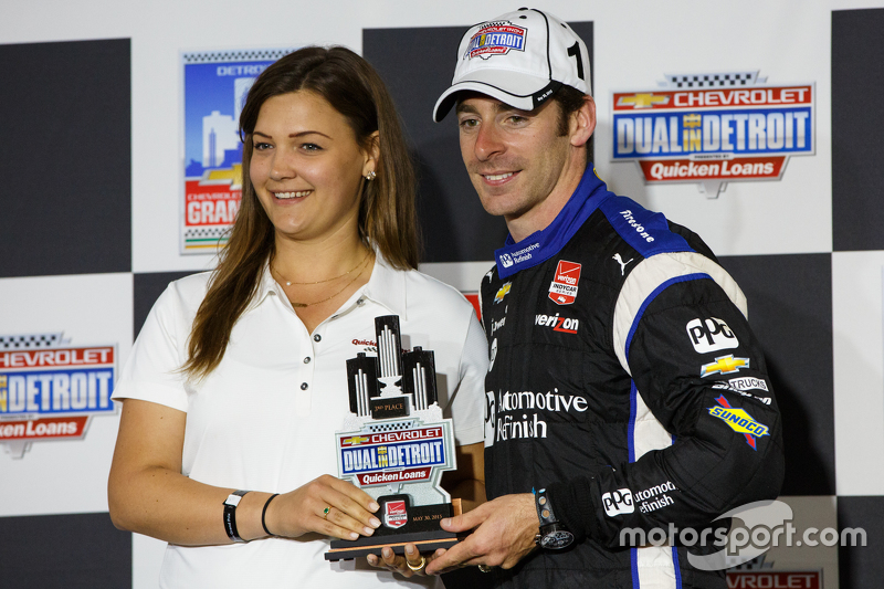Podium: Third place Simon Pagenaud, Team Penske Chevrolet