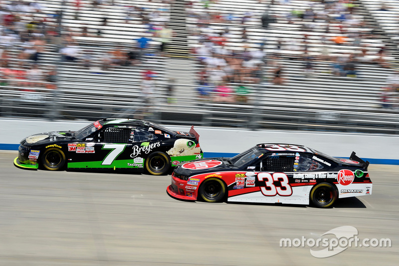 Regan Smith, JR Motorsports, Chevrolet, und Austin Dillon, Richard Childress Racing, Chevrolet