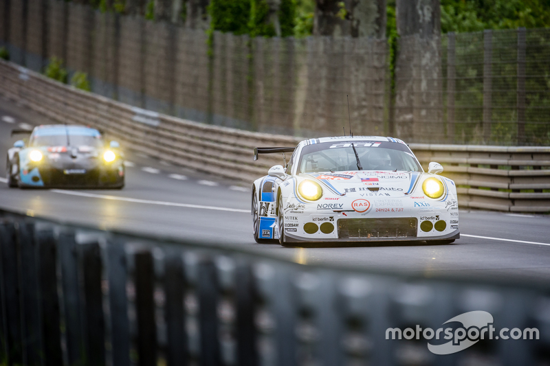#68 Team AAI, Porsche 911 GT3-RSR: Jun-San Chen, Gilles Vannelet, Mike Parisy